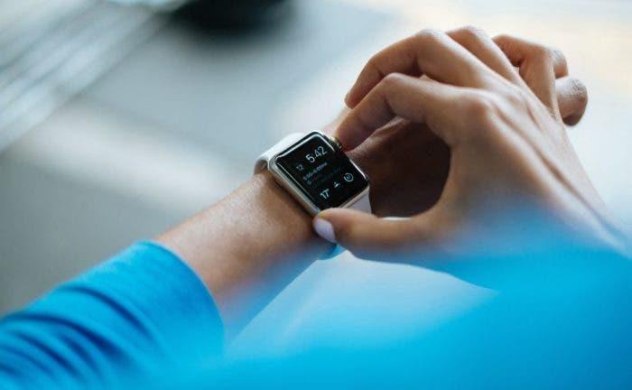 smartwatch-828786_1280-940x580