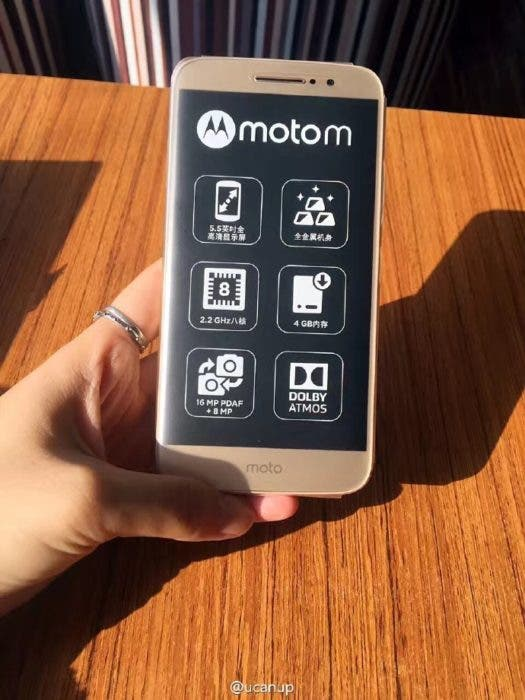 new-images-of-the-motorola-moto-m-and-the-retail-box-surface-3